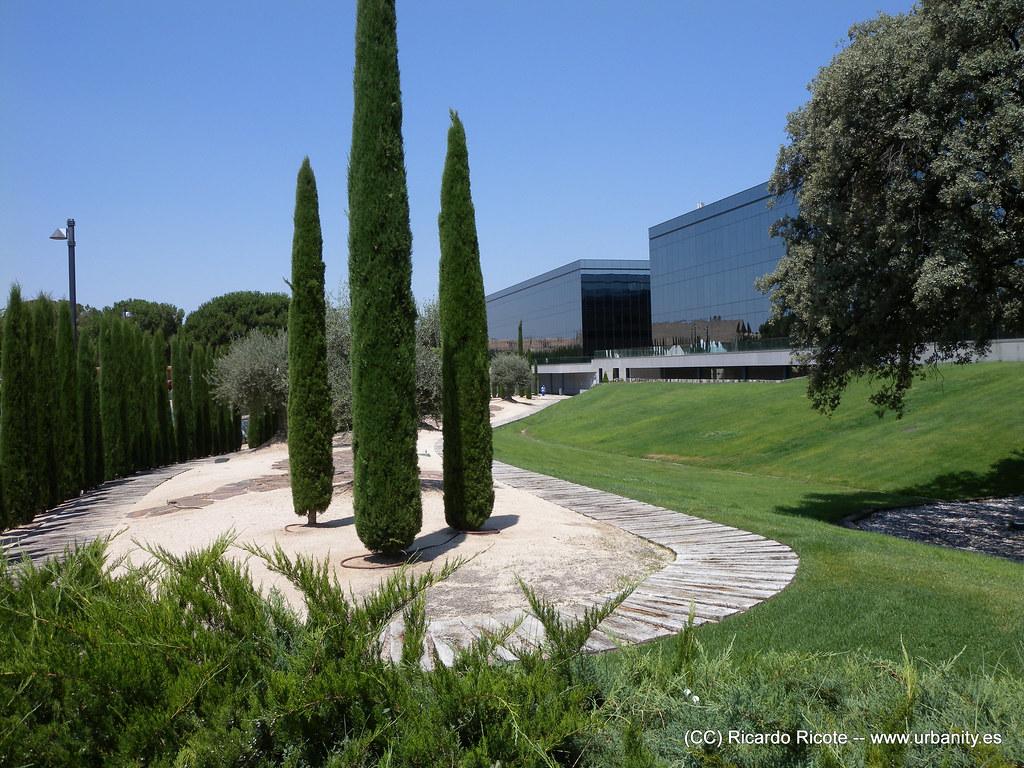 Parque empresarial la finca community of madrid spain for La finca madrid