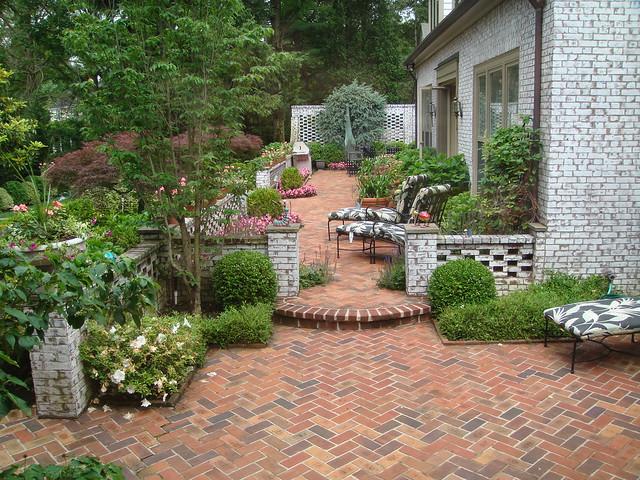 Brick patio design dsc01699 flickr photo sharing for Bricks design for landscape