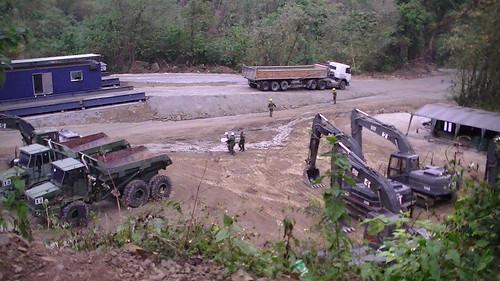 軍方協助曾文水庫清淤。徐蟬娟攝