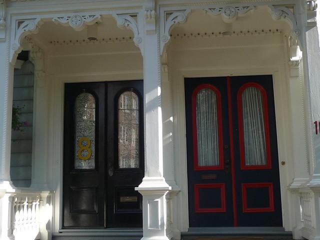 Avon Hill - Double doors on Arlington Street, Cambridge, MA