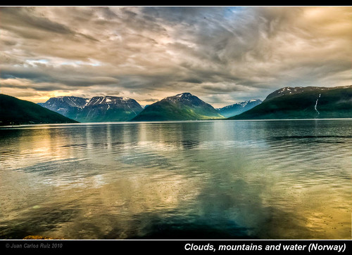 sea mountains water norway clouds norge is agua colours nubes his hdr montañas finnmark newvision fablous concordians photoshopcreativo cloudsstormssunsetssunrises peregrino27newvision