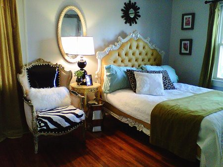 Liv chic interior design aphrochic modern soulful style for Bedroom designs 2010