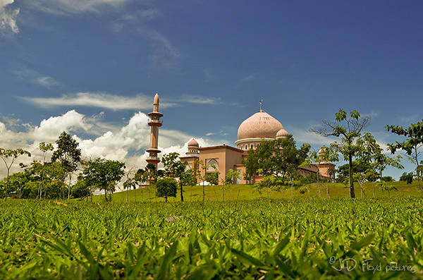 UMS1 mosque600 sharp