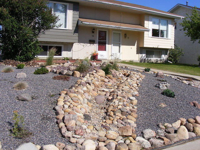 Front Yard- Dry River Bed (Dad's Design) | Flickr - Photo ...