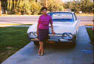 dee_on_car_1961