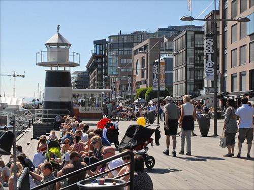 Le quartier d'Aker Brygge un jour de soleil (Oslo)