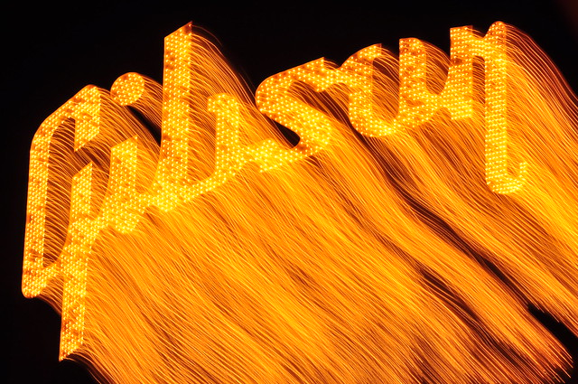 Gibson Guitar Sign, Memphis, Tn