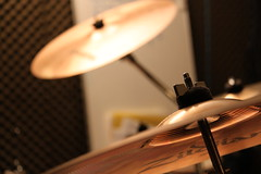 white, musical instrument, light, macro photography, drums, close-up, cymbal,