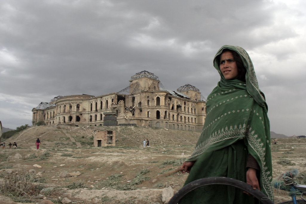 Darulaman Palace Le Palais Darulaman A Girl Rolls A