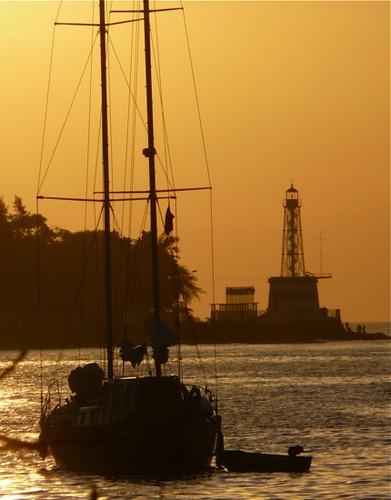 sunset sea lighthouse silhouette asia laut farol timor leste easttimor dili matahari timorleste sekitar terbenam earthasia osttimor