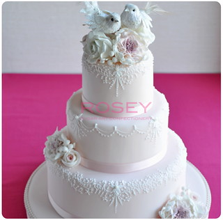 Birdie wedding cake 1