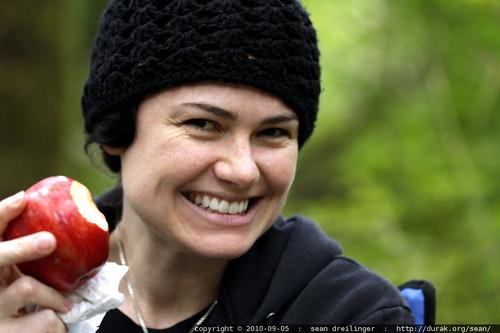 rachel and her apple