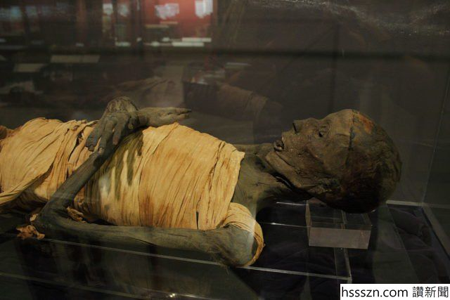 Side-view-of-the-mummy.-Photo-Credit-640x427_640_427