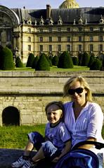 Julie and Cooper in front of Hotel des Invalides
