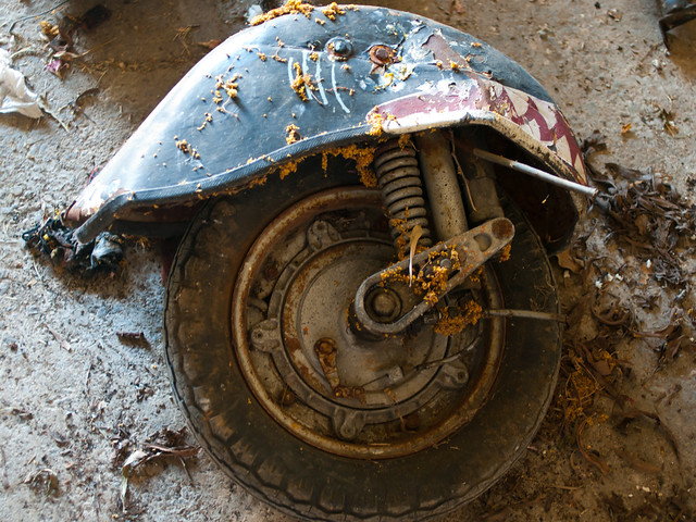 Vespa Restoration - Front Wheel