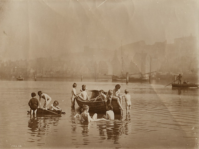Water Rats, by Frank Meadow Sutcliffe 1885