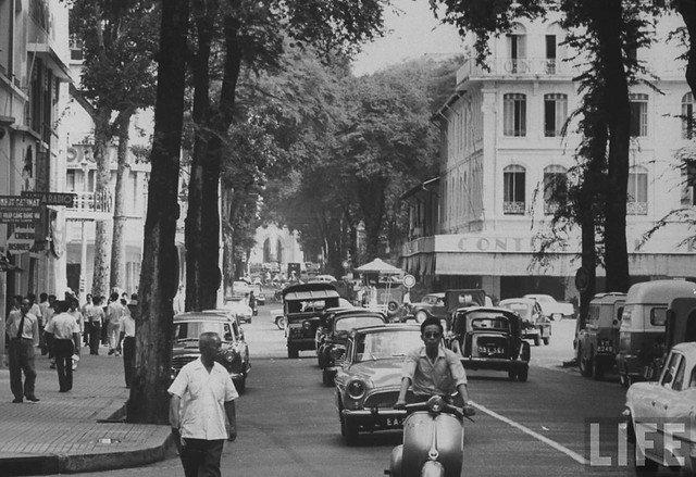 Saigon 1961 - Main street, formerly Rue Catinat, renamed Tu Do.