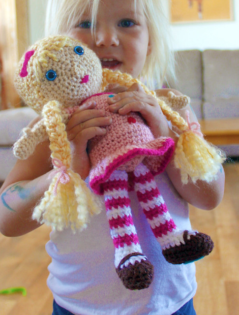Crocheting Dolls : Free Crochet Pattern Doll Blogged: easymakesmehappy.blogsp ...