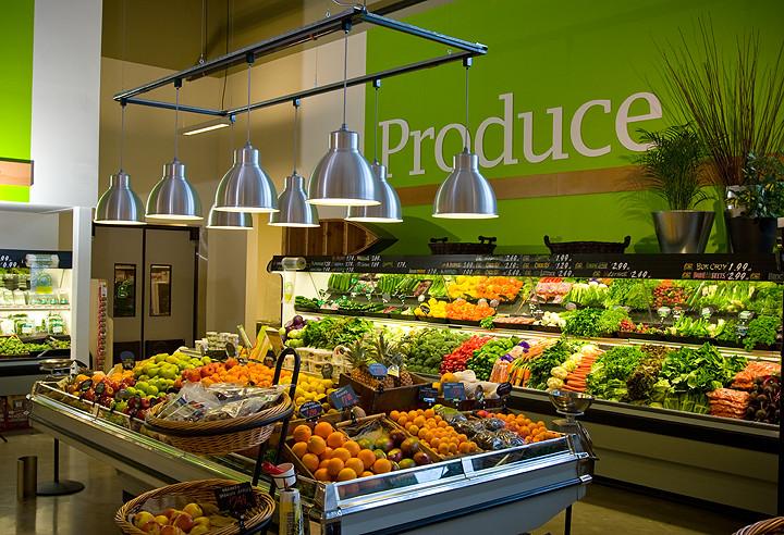 Supermarket Interior Decor | Produce Area | Hanging Trelli ...