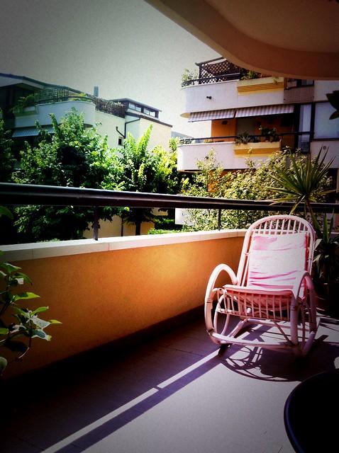 Sedia a dondolo in lomo flickr photo sharing for Sedia a dondolo nursery