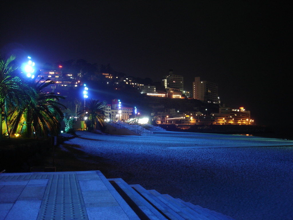 Blue Atami beach 青い熱海海岸
