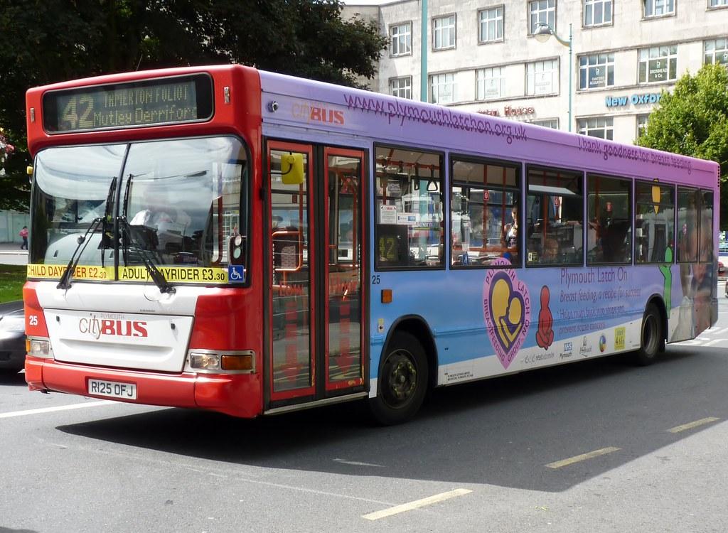 Plymouth Citybus 025 R125OFJ