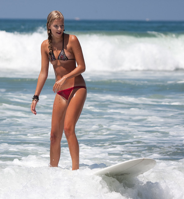 The hottest surfer girl I have ever seen