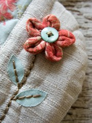 Flower Pouch 1 - detail