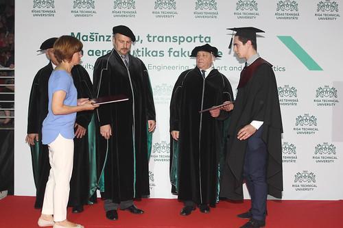 Diplomu pasniegšana: Mašīnzinību, transporta un aeronautikas fakultātei