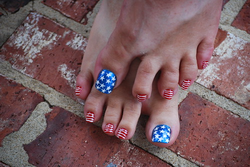4TH OF JULY PEDICURES | American Flag Nail Art | Flag Pedicure