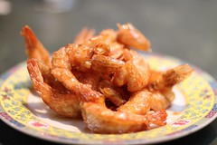 meat(0.0), onion ring(0.0), invertebrate(0.0), shrimp(1.0), caridean shrimp(1.0), fried food(1.0), fried prawn(1.0), seafood(1.0), food(1.0), dish(1.0), cuisine(1.0),