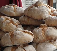 produce(0.0), dish(0.0), baguette(0.0), baking(1.0), bread(1.0), whole grain(1.0), baked goods(1.0), ciabatta(1.0), bakery(1.0), food(1.0), bread roll(1.0), cuisine(1.0), sourdough(1.0),