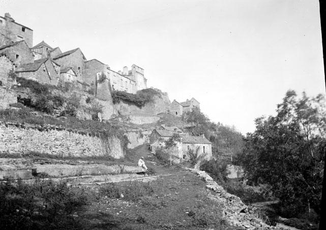 Vue sur le village et la commanderie, Lacapelle-Livron