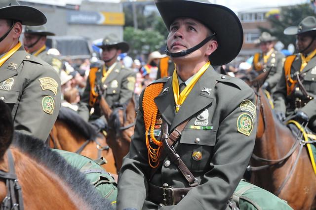 Oficial De La Caballer  A De La Polic  A Nacional De Colombia