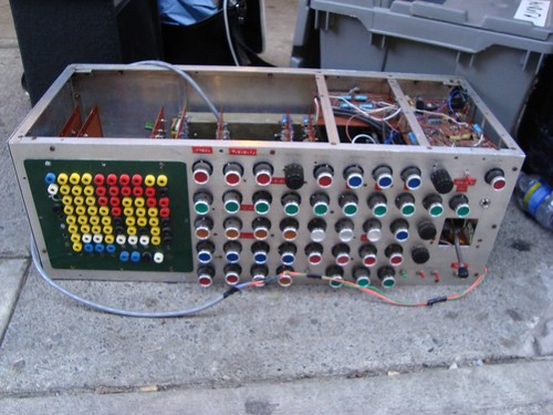 Trevor Pinch's early 1970's-vintage synthesizer by exakta