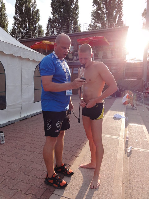 Jón & Pál checking out split times at Budapest 2010