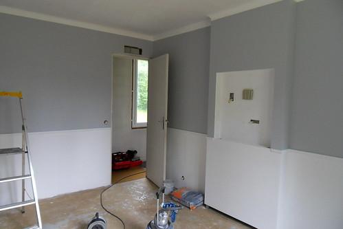 Peinture salon gris galet pr l vement d for Peinture luxens gris galet