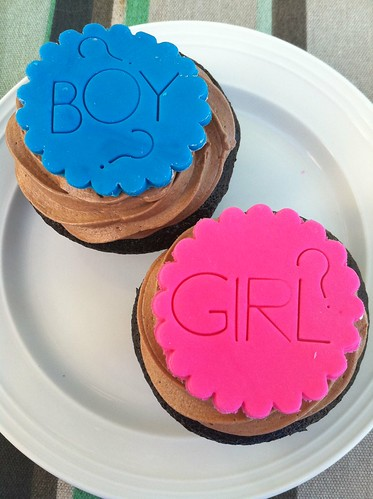 Gender Reveal party cupcakes