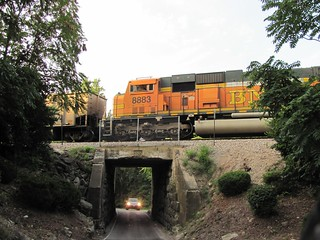 BNSF #8883 over tunnel at Tree Court Industrial Blvd., St. Louis County, MO_IMG_0022