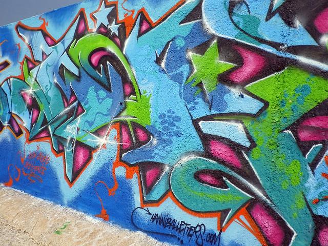 graffiti sul molo - 1 di 3