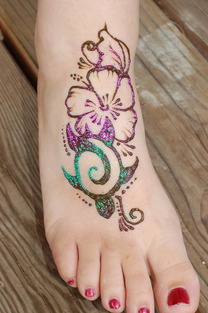 Henna sea tattoo and real tattoo on pinterest for Real henna tattoo