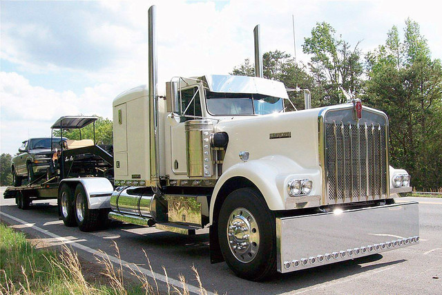 1973 Kenworth W900A for Sale http://www.flickr.com/photos/46535856@N08/4911224466/