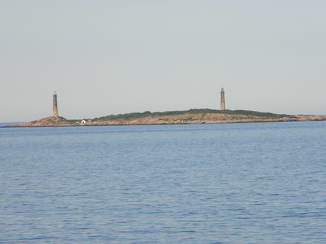 Thacher island twin lighthouses cape ann massachusetts for Cape ann motor inn gloucester mass