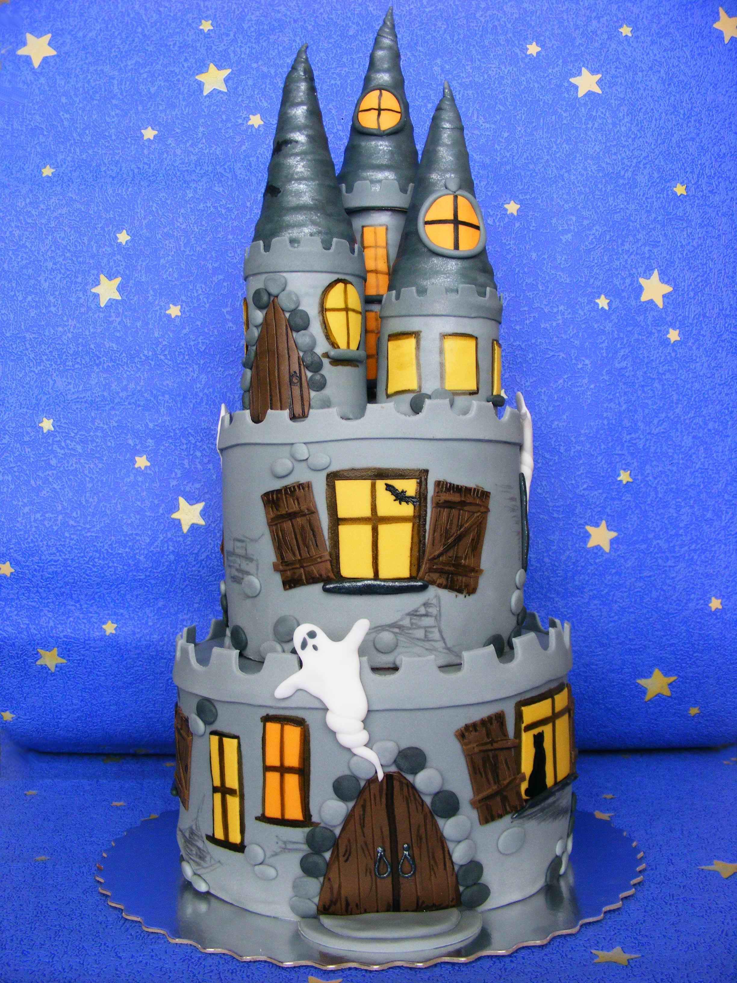 halloween castle cakes