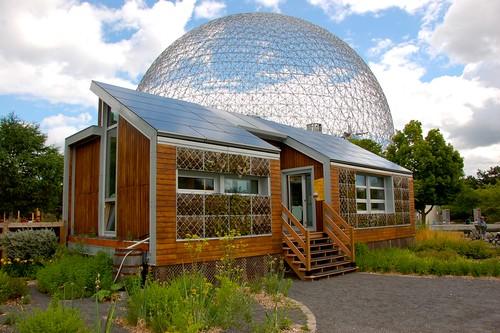 The E'cool'ogical Solar House