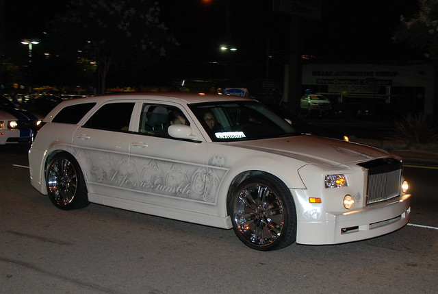 Customized Dodge Magnum With Custom Front Fascia Flickr