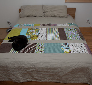 Bedroom Quilt and Joie