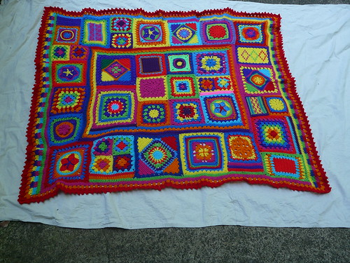 Better Homes and Garden Granny Square Sampler Afghan