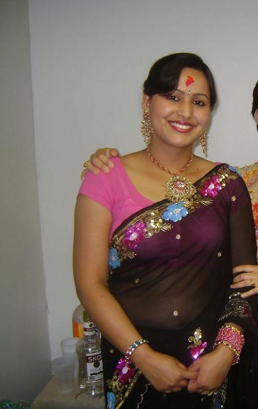 Speak Indian bhabhi saree