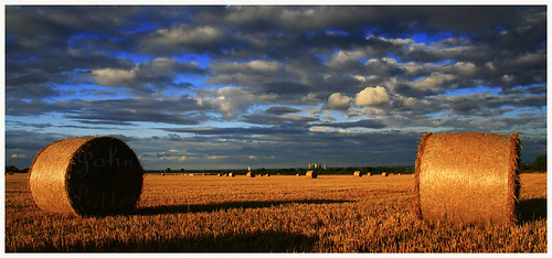 light sky evening farm farming harvest hay 1001nights eveninglight doncaster 1001nightsmagiccity